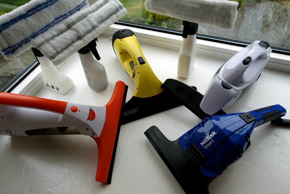 TEST AV VINDUSVASKERE: Vi har testet vindusvaskere fra Rusta, Clas Ohlson, Nilfisk og Kärcher. Og det er STORE forskjeller! Foto: KRISTIN SØRDAL