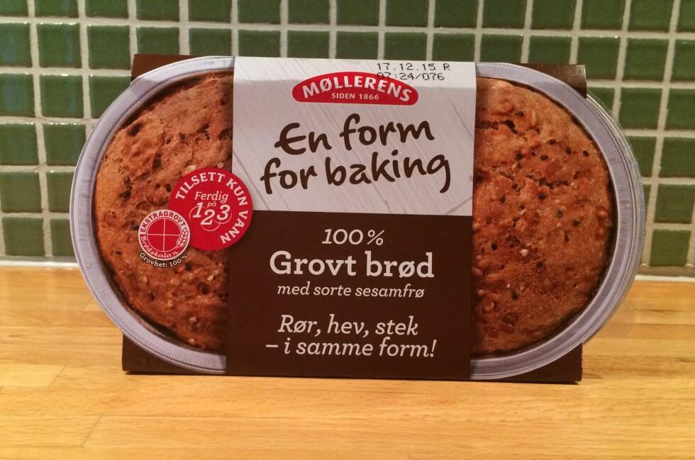 GROVT: En form for baking kommer i to utgaver. Vi har testet 100% Grovt brød. Foto: ELISABETH DALSEG