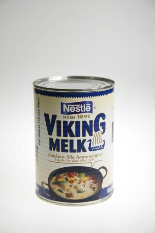 GAMMEL TRAVER: Nestle Viking melk kom i hyllen i 1891, og kan brukes i stedet for fløte eller melk i sauser, desserter og karamellpudding.  Foto: Aftenposten/Scanpix