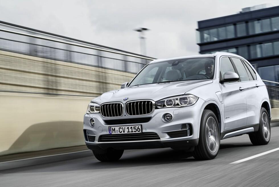 <strong><b>313 HESTER:</strong></b> Bensinmotor plus elmotor gir til sammen godt med effekt, om enn mindre enn konkurrentene fra Volvo og Porsche. Foto: BMW