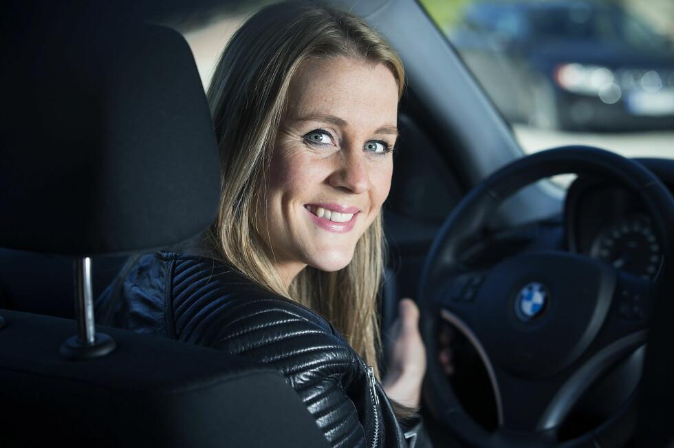 STORE BESPARELSER: Hannah Thune ,  24 år og sykepleier i Drammen. Hun sparer 3000 kroner i forsikring på sin  første bil , BMW 1.16 D  ved hjelp av våre råd.       Foto: Bjørn Langsem / Dagbladet