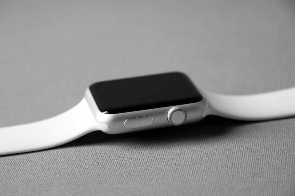FØRSTE FORSØK: Apple Watch er selskapets første smartklokke. Foto: PÅL JOAKIM OLSEN