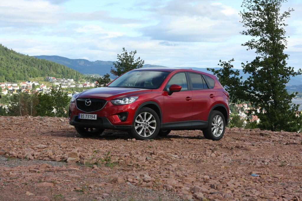 TRUET: Mazda CX-5 er en typisk norgesbil og leveres i hovedsak - cirka 80 prosent - med dieselmotor. Foto: KNUT ARNE MARCUSSEN