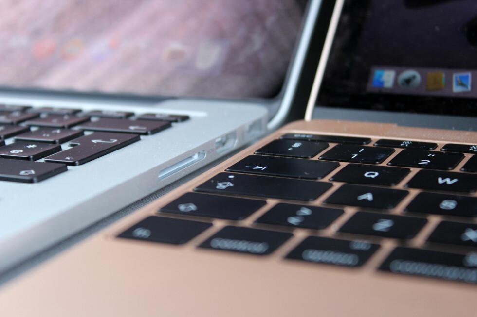 FORSKJELLIG TASTATUR: MacBook-ens nye tastatur tar mindre plass i høyden enn tastaturet på øvrige MacBook-er, men det er godt å skrive på. Foto: KIRSTI ØSTVANG