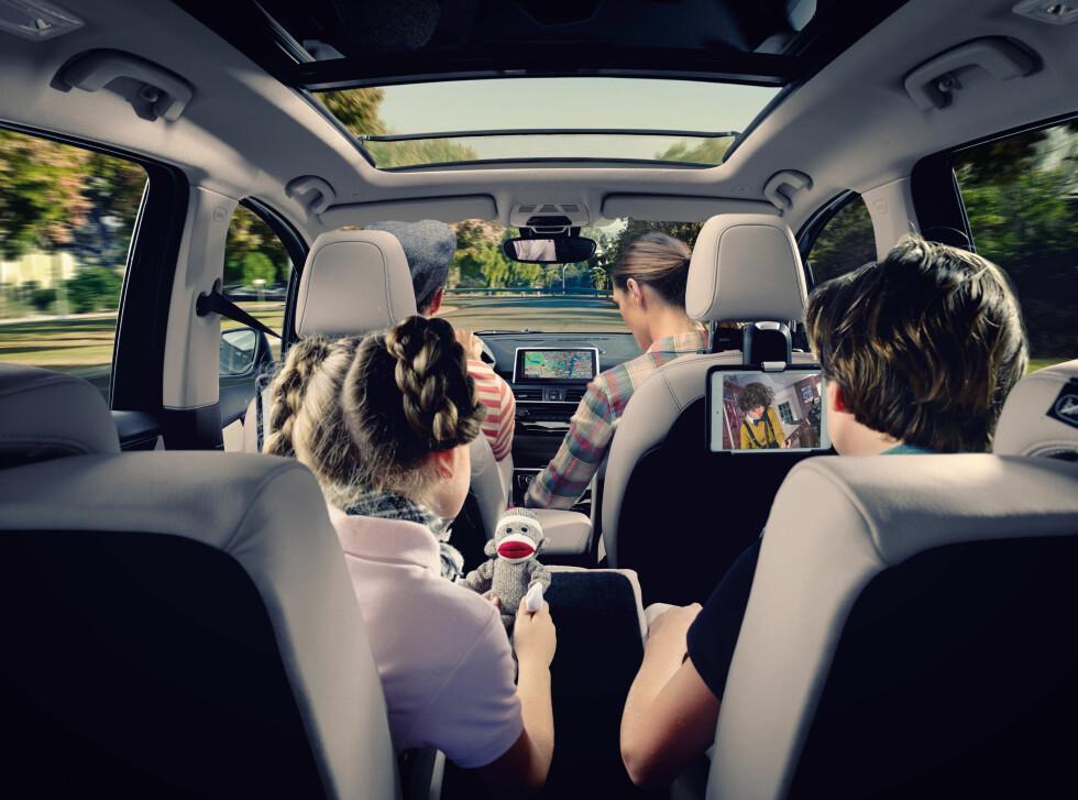 ROMSLIG OG MODERNE: Nykommeren er full av moderne løsninger. Foto: BMW
