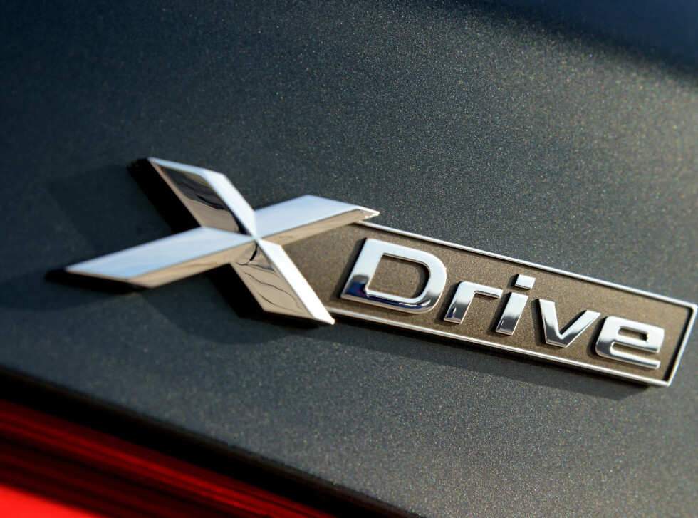 FIREHJULSTREKK: BMW er alene om å tilby firehjulstrekk i klassen. Foto: BMW