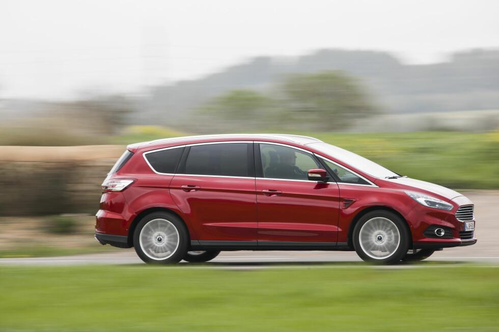 <strong>KJENT FASONG:</strong> Selv om bilen er helt ny, vil de fleste dra kjensel på denne silhuetten. Foto: FORD