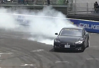 Jovisst, kan Tesla Model S kjøre løp!