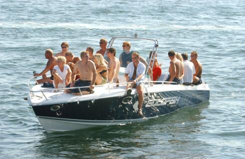 STINN BRAKKE: Er båten lang nok, kan de slippe unna. Men er den åtte meter lang eller mindre, må alle passasjerene ha vest straks båten setter seg i bevegelse. Foto: NTB scanpix