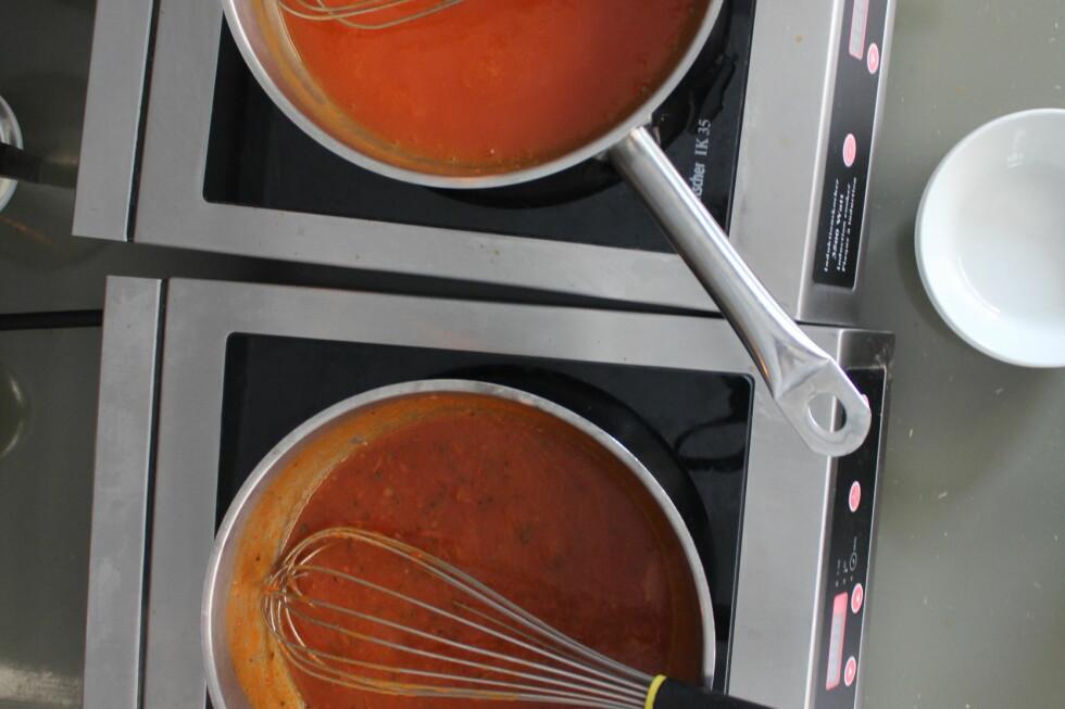 FERDIGE: Tomatsuppene vi har testet skal kun varmes opp. Foto: ELISABETH DALSEG