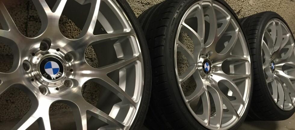 SIKKER LAGRING: Er ikke hjulene dine sikkert lagret, så kan du ikke forvente å få dem dekket om de blir stålet.  Foto: RUNE M. NESHEIM