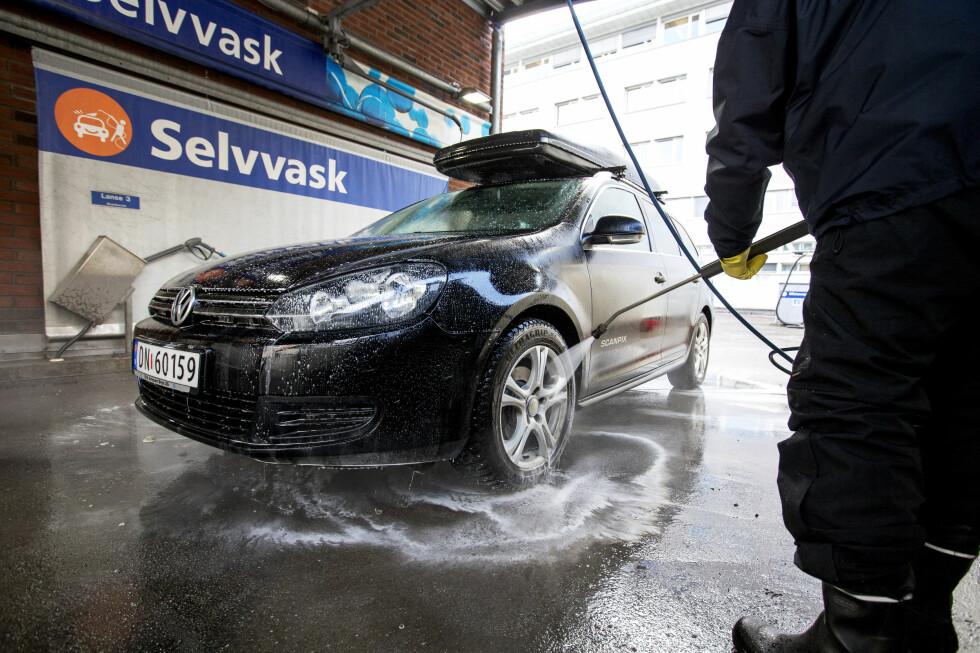 RYDD BORT VINTEREN: Snart er det på tide å vaske bort vinteren. Foto: Gorm Kallestad / NTB scanpix