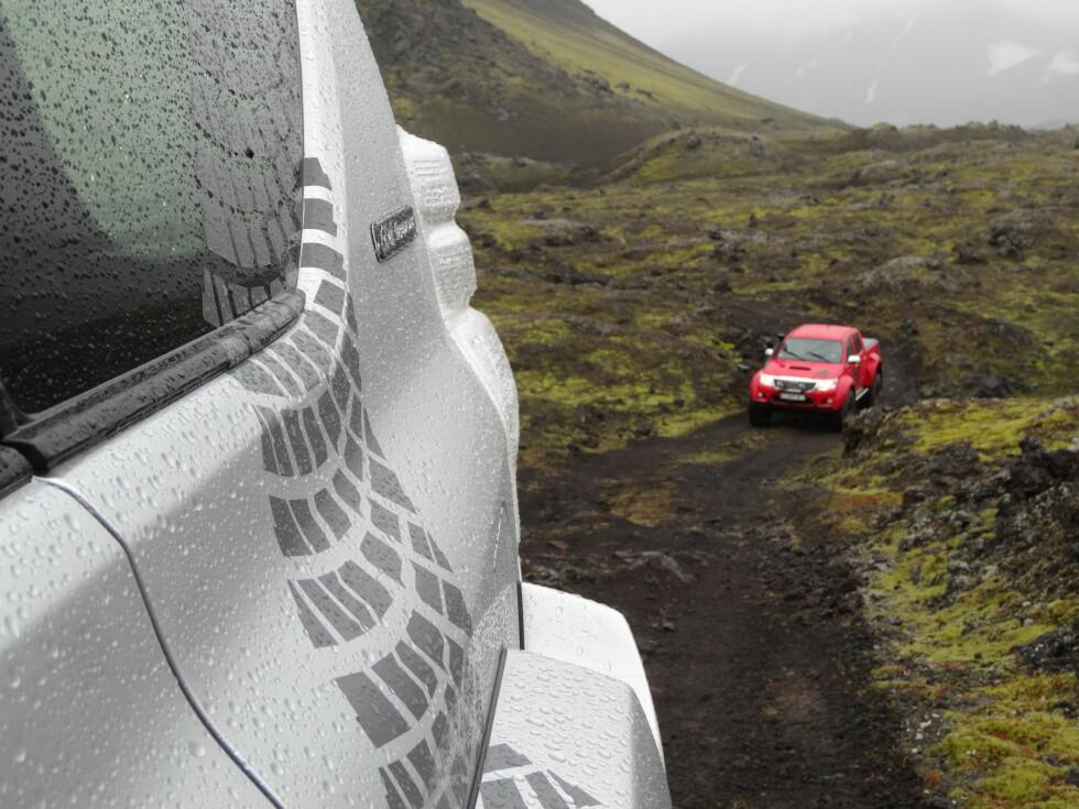 OPPMERKET VEI: Neida, dette er ikke offroad, men en av øyas veier, spesielt oppmerket for kapable firehjulstrekkere. Foto: Fred Magne Skillebæk