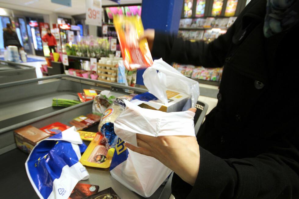 RIMELIG: Svært mange varer er rimeligere i Sverige, og blir du der i mer enn et døgn, kan du handle mer. Foto: OLE PETTER BAUGERØD STOKKE