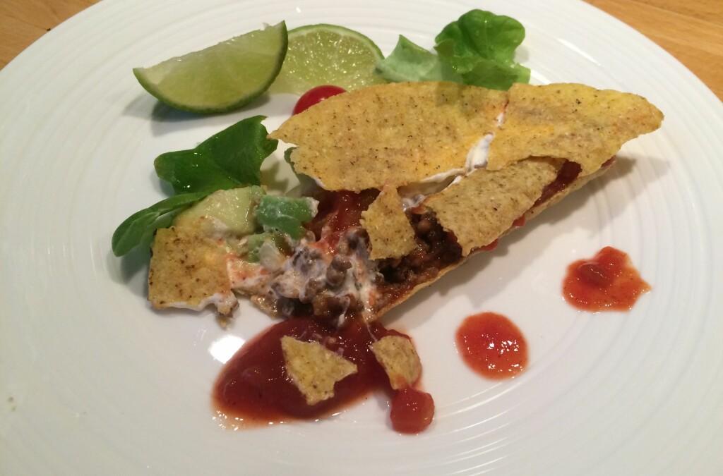 <b>KNAS:</b> Taco er godt, men vanskelig å spise uten å søle.  Foto: ELISABETH DALSEG