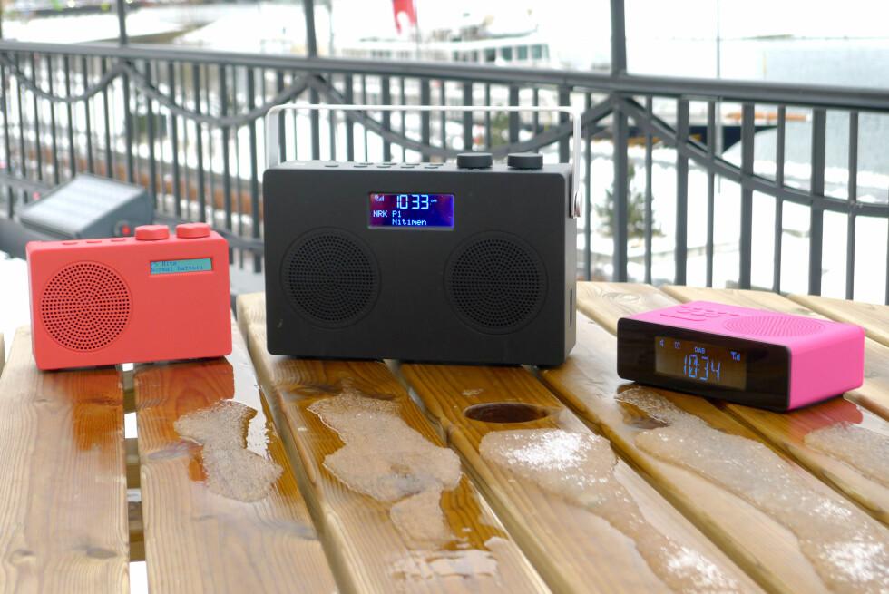 RADIO-PÅSKE: Reiseradio, bordradio og klokkeradio fra POP. Foto: FOTOMONTASJE: TORE NESET/OLE PETTER BAUGERØD STOKKE