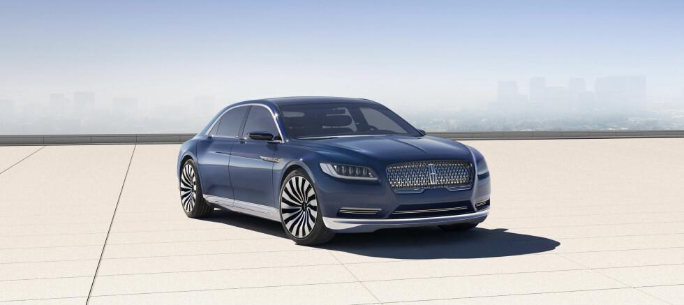 «ROLIG LUKSUS»: Lincoln Continental Concept -  forløperen til neste luksusbil fra Ford-konsernet. Neste Lincoln Continental vil være Mercedes S-klasse-konkurrent, Cadillac-rival og utvilsomt en sterk presidentbil-kandidat. Foto: LINCOLN