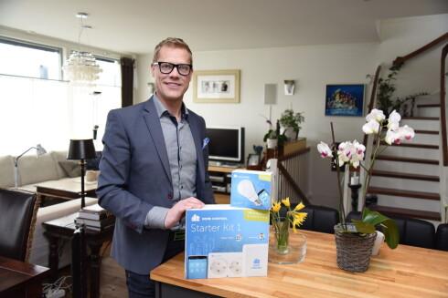 OPTIMIST: Direktør Yngvar Pettersen Jr. i Home Control ser for seg et sterkt voksende marked innenfor smarte hus, og satser spesielt sterkt på smarte produkter i allerede bygde boliger.  Foto: JOHN BERGE