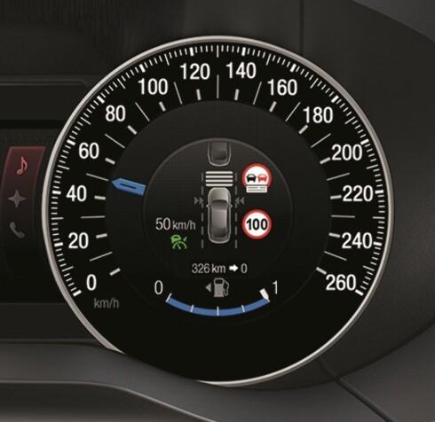 <strong><b>ALT-I-ETT:</strong></b> Inne i instrumentet vises nødvendig farts-informasjon og ønsket innstilling. Foto: FORD
