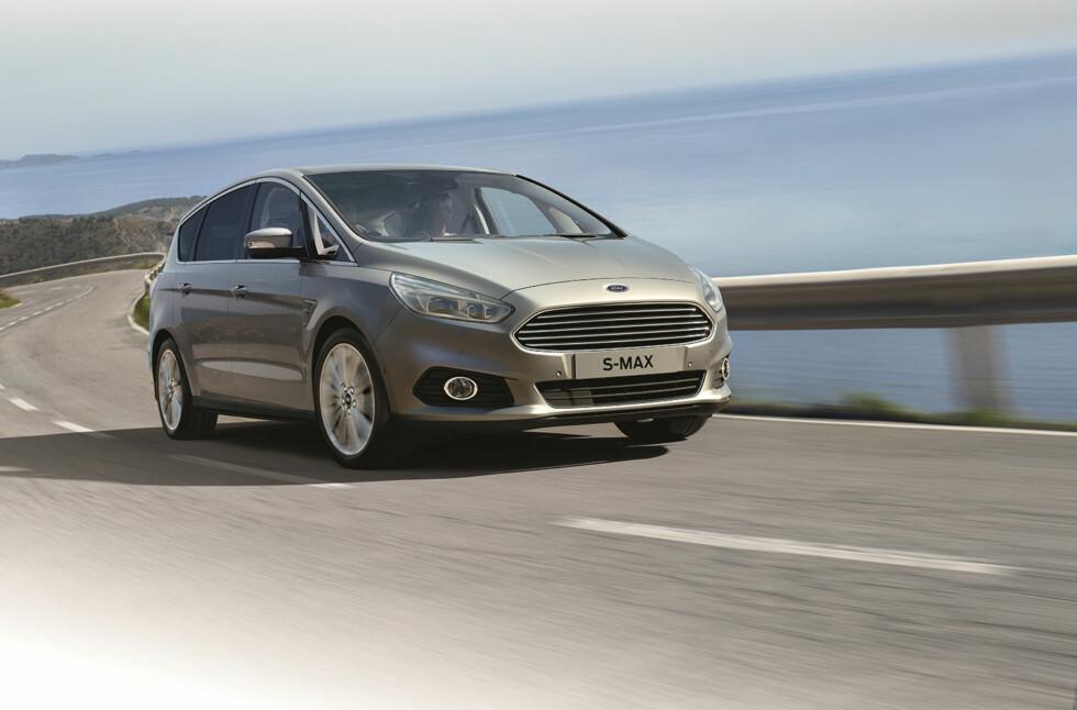 <strong><b>TEKNOLOGI-LOKOMOTIV:</strong></b> Nye Ford S-Max gjør en mengde avansert teknologi tilgjengelig for familier med behov for god plass og fleksible løsninger. Den kan blant annet holde fartsgrensen for deg... Foto: FORD