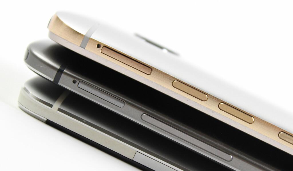 EVOLUSJON: HTC One M7, M8 og M9 er like, men forskjellige. En viktig forandring i årets utgave er at strømknappen er flyttet fra toppen til siden og at volumknappene nå er to adskilte knapper i stedet for én avlang knapp. Foto: KIRSTI ØSTVANG