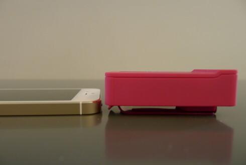 <strong><B>TJUKKAS:</strong> </B>POPnano bygger godt i høyden, og kan vel egentlig ikke kalles en lommeradio. Foto: TORE NESET