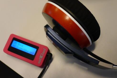 <strong><B>KVALITETSLYD:</strong></B> Å bruke dyre hodetelefoner med POPnano er faktisk en god idé. Foto: TORE NESET