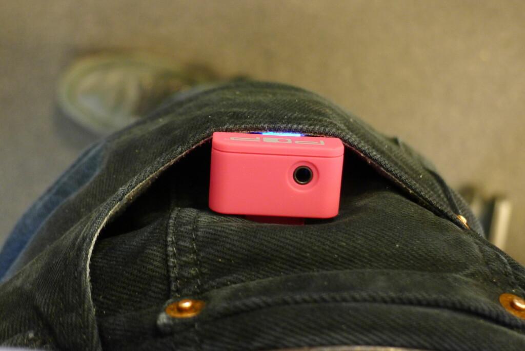 <B>BULER:</B> Og dette skal liksom være en lommeradio? Foto: TORE NESET