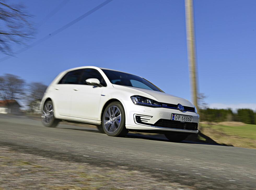 TIL FORVEKSLING: GTE kan lett forveksles med e-Golf når den kommer kjørende. Foto: JAMIESON POTHECARY