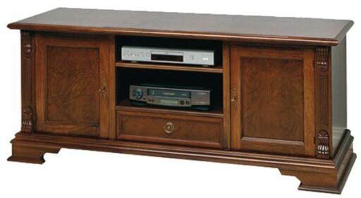 KLASSISK: TV-benken «Mozart» fra A-møbler er nok mest for de tradisjonelt anlagte. Foto: A-MØBLER