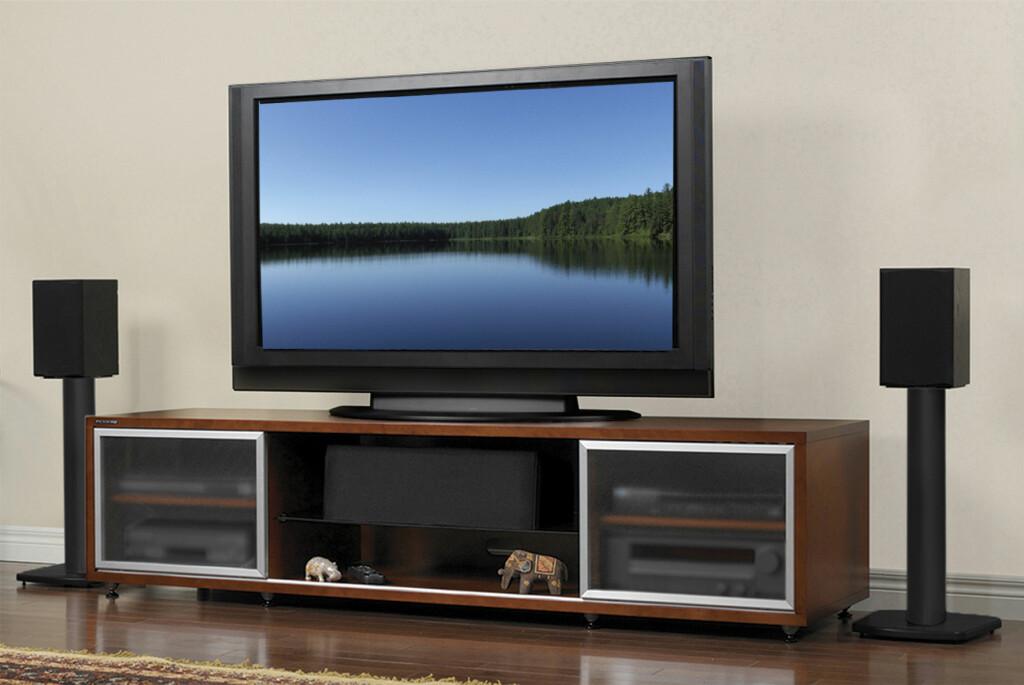 <B>ORDEN:</B> Amerikanske Plateau er en av de mange som leverer møbler som får orden på stereo og hjemmekino. Foto: PLATEAU