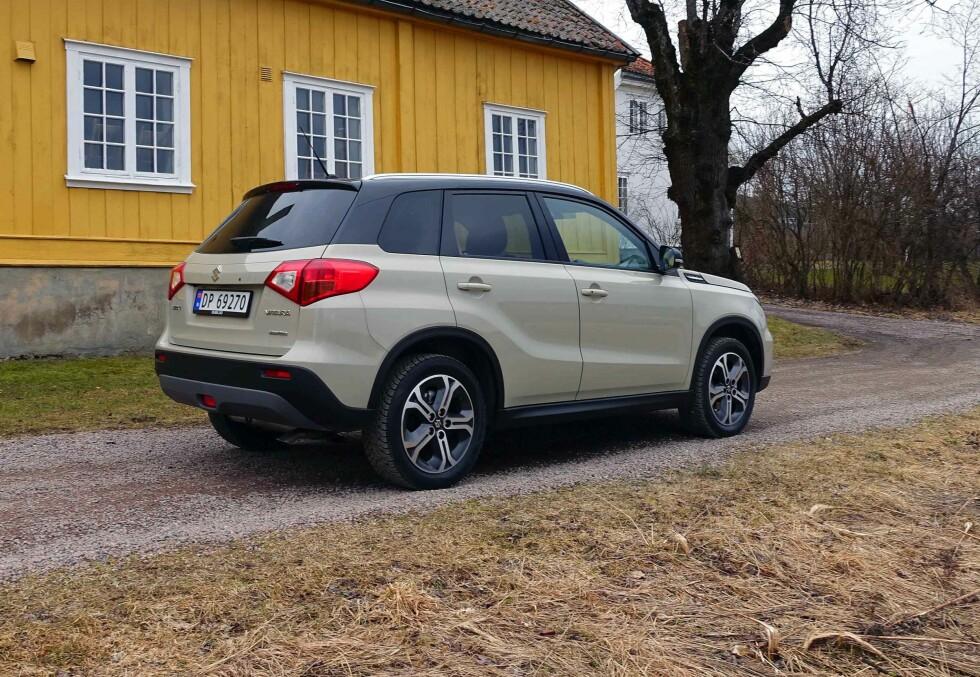 KLASSISKE LINJER: Som for forgjengeren, tror vi denne tidløse SUV-stilen vil holde seg godt. Foto: KNUT MOBERG