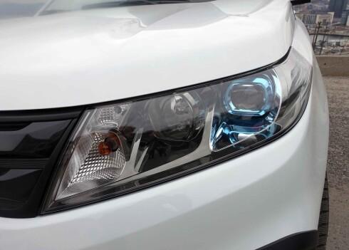 LED: Også hovedlysene (nærlys) på nye Vitara er diodebasert. Foto: KNUT MOBERG