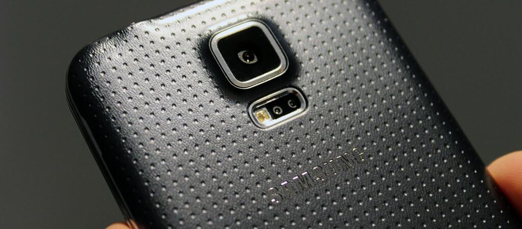 <strong>PROBLEMATISK:</strong> Mange brukere rapporterer om store problemer etter å ha oppdatert Samsung Galaxy S5 til siste Android-versjon. Foto: KIRSTI ØSTVANG