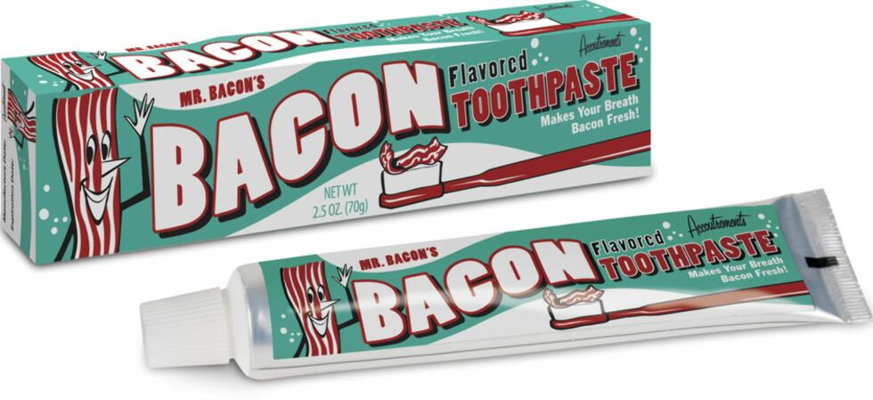 BACON: Og bare fordi : hva med en bacontannpasta til tubeskviseren din? Pris: 49 kroner fra Coolstuff.no, men er midlertidig utsolgt, så fås på Alphageek.no til 129. Sistnevnte nettbutikk har også Cupcake-tannkrem. Foto: PRODUSENTEN