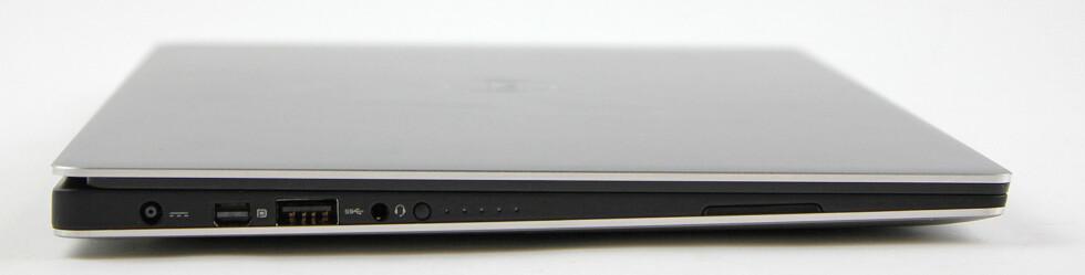 VENSTRE SIDE: Strøm, mini Displayport, USB3, hodetelefoner og batteriindikator.