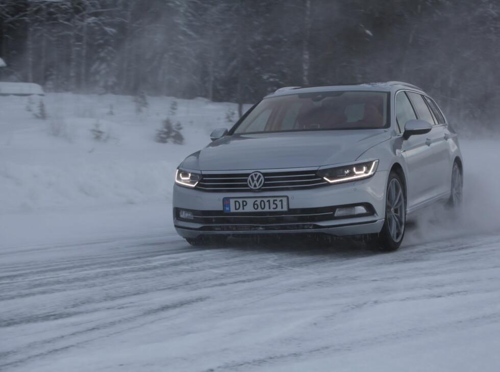 NØYTRAL: ABS-sensorene registrererhjulspinn og bilens retning og sender kort fortalt krefter til de hjul som er hensiktsmessig, og bremser andre om det er nødvendig.  Foto: RUNE M. NESHEIM