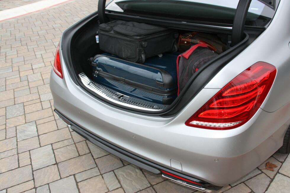IKKE ALLVERDEN: En av bilens få svakheter er det ikke spesielt rommelige bagasjerommet.  Foto: KNUT MOBERG