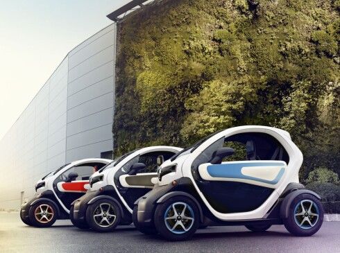 BILLIGST, MEN... Egentlig ikke en bil - men elbilen Renault Twizy er eneste under 100.000, som firhjuls motorsykkel. Foto: RENAULT