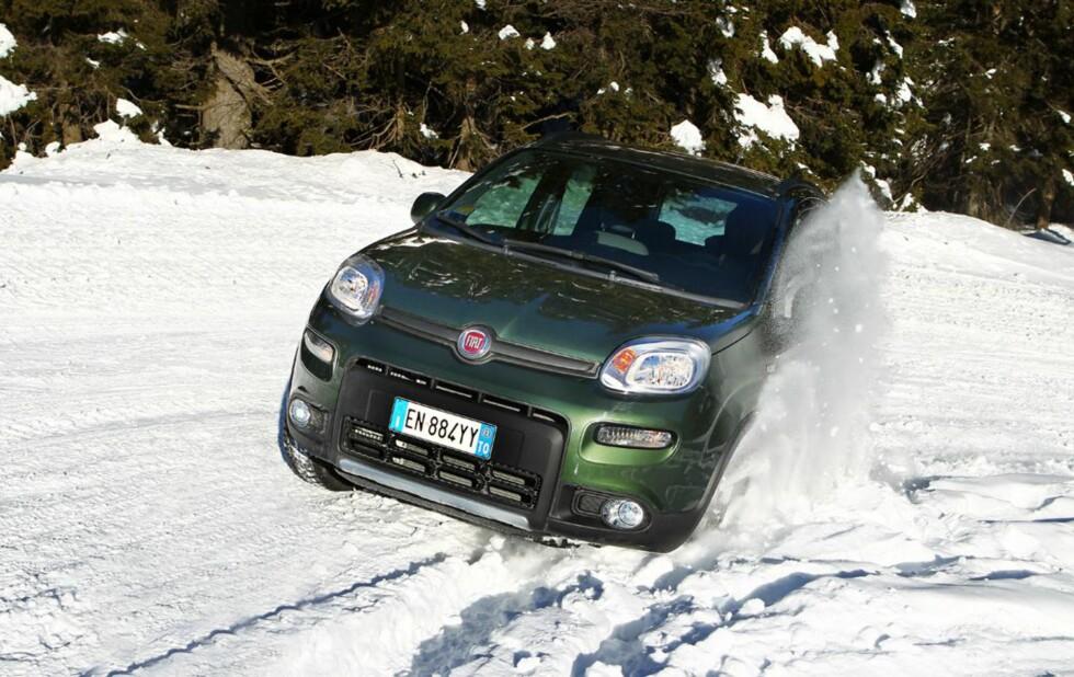 BILLIGST 4x4: Fiat Panda 4x4 koster fra så å si 200.000 blank. Foto: FIAT