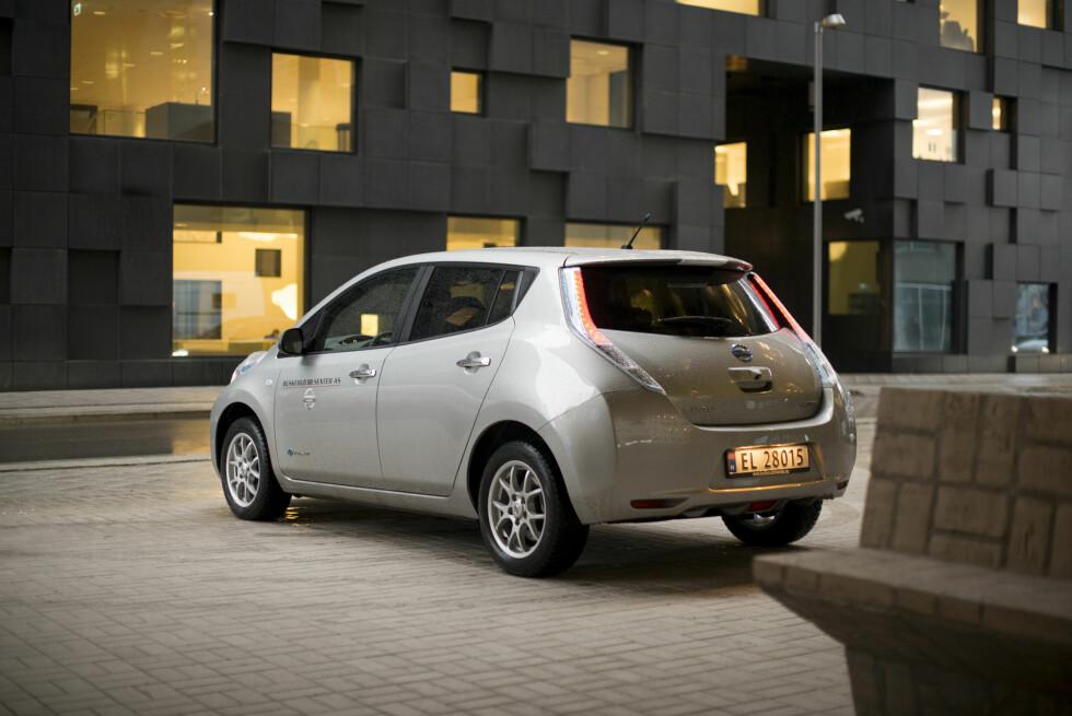 ET OFFER: Nissan Leaf kan få sterkere konkurranse fra VW e-Golf enn de skulle ønske.  Foto: JAMIESON POTHECARY