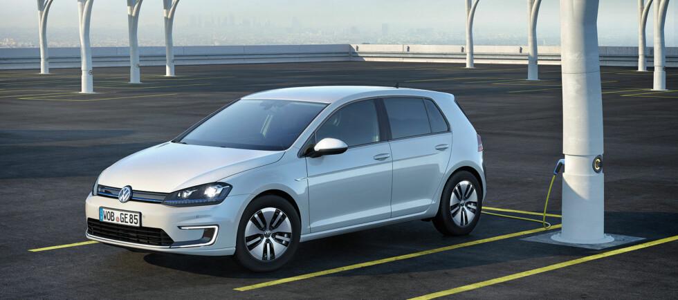 ETTERLENGTET: Leveransene av en kraftig forsinket VW e-Golf har nå løsnet. Det vises på salget.   Foto: VW