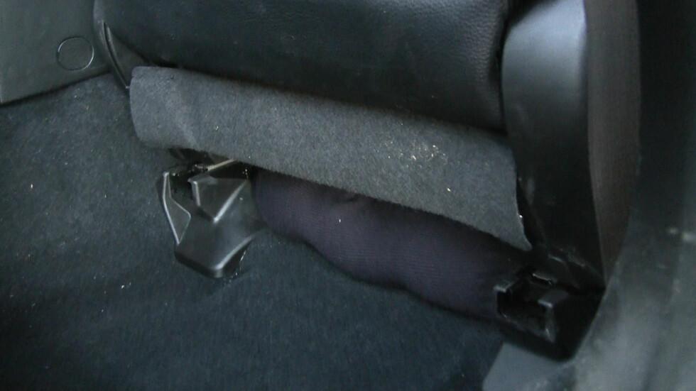 Sokken kan du plassere på flere steder, for eksempel på dashbordet eller i hjulbrønnen. Foto: BJØRN-AAGE BREDAL