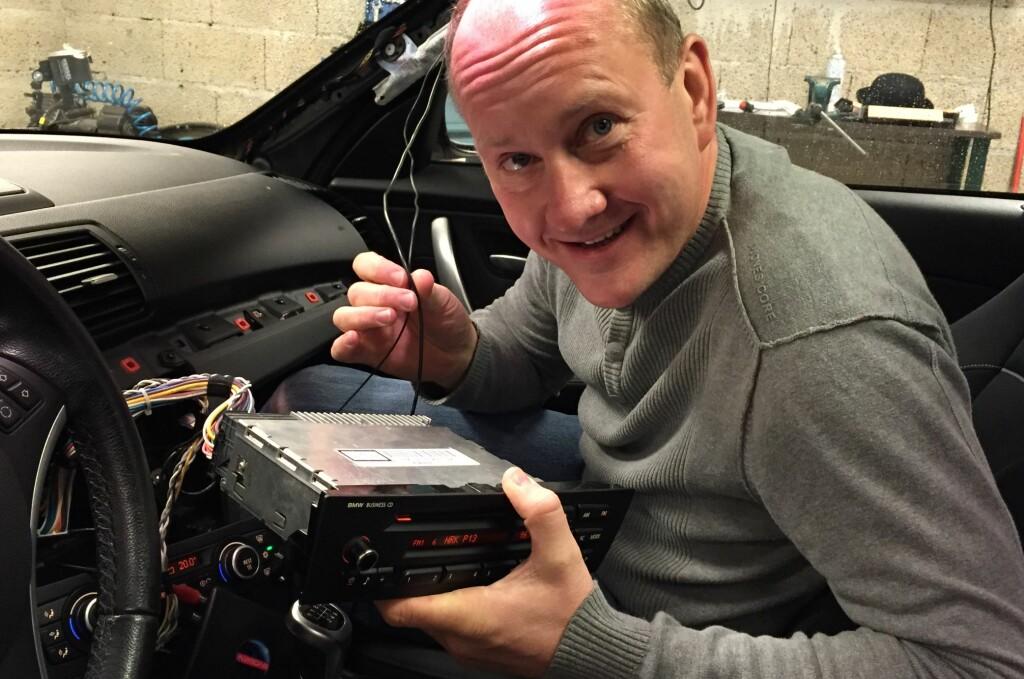 <b>DAB I BIL:</b> DAB+ blir innført i 2017. Vi tester 8 stk. DAB+ adaptere til bil. Foto: MARTE NESHEIM