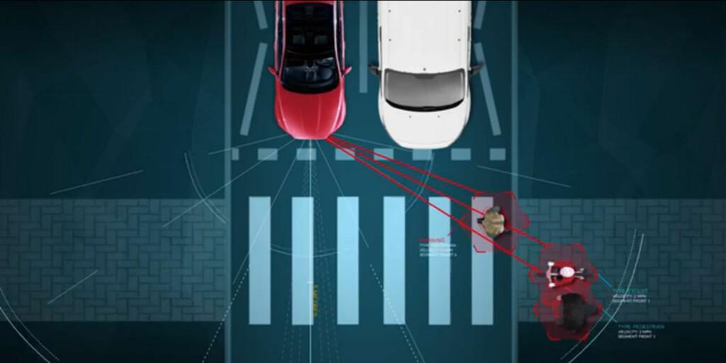 SER FOR DEG: Sensorer oppdager det føreren overser og varsler om faren. Foto: JAGUAR LAND ROVER
