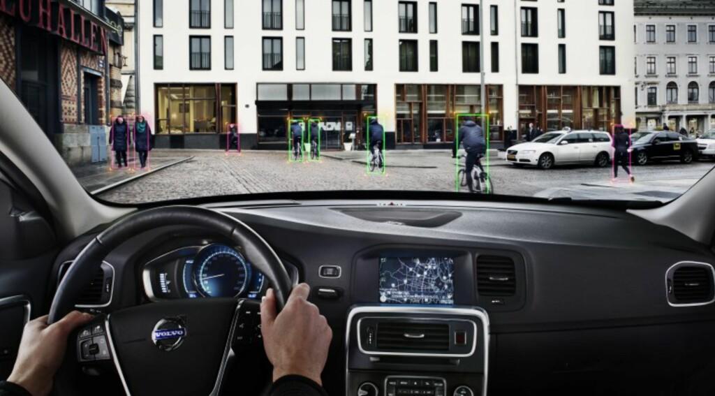 OPPDAGER SYKLISTER: Allerede i dag har Volvo et system for å hindre kollisjon med syklister - det heter Pedestrian and Cyclist Detection. Foto: VOLVO