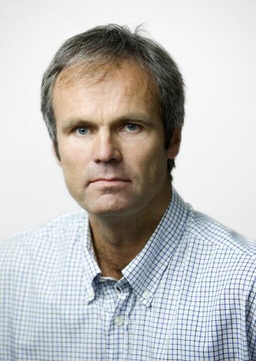 KLART RÅD: Informasjonssjef Bjarne Rysstad i Gjensidige oppfordrer alle til å være årvåkne ved parkering, spesielt i p-hus.  Foto: GJENSIDIGE