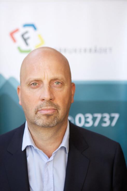 KJENNER PROBLEMET: Direktør Ragnar Wiik i Forbruker Europa jobber for enkel og sikker handel mellom landegrensene i EØS. Slik er det dessverre ikke alltid i dag. Foto: FORBRUKER EUROPA