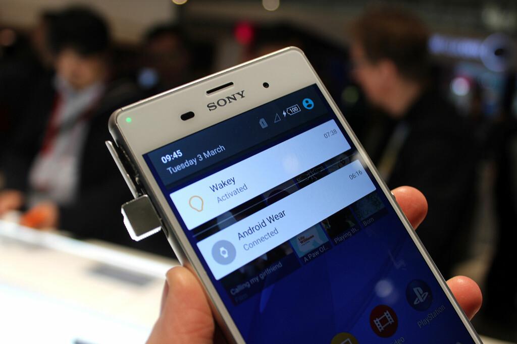 LOLLIPOP PÅ Z3: Snart får nåværende toppmodell nyeste Android-versjon også. Slik ser den nye varslingsmenyen ut. Foto: KIRSTI ØSTVANG