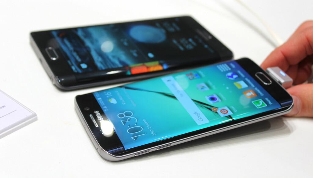 ER TO BEDRE ENN ÉN? Med Galaxy S6 Edge får i hvert fall venstrehendte skjermkanten på riktig side. Foto: KIRSTI ØSTVANG